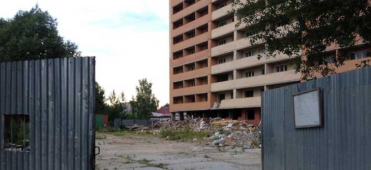 В России увеличилось число обманутых дольщиков и проблемных строек.